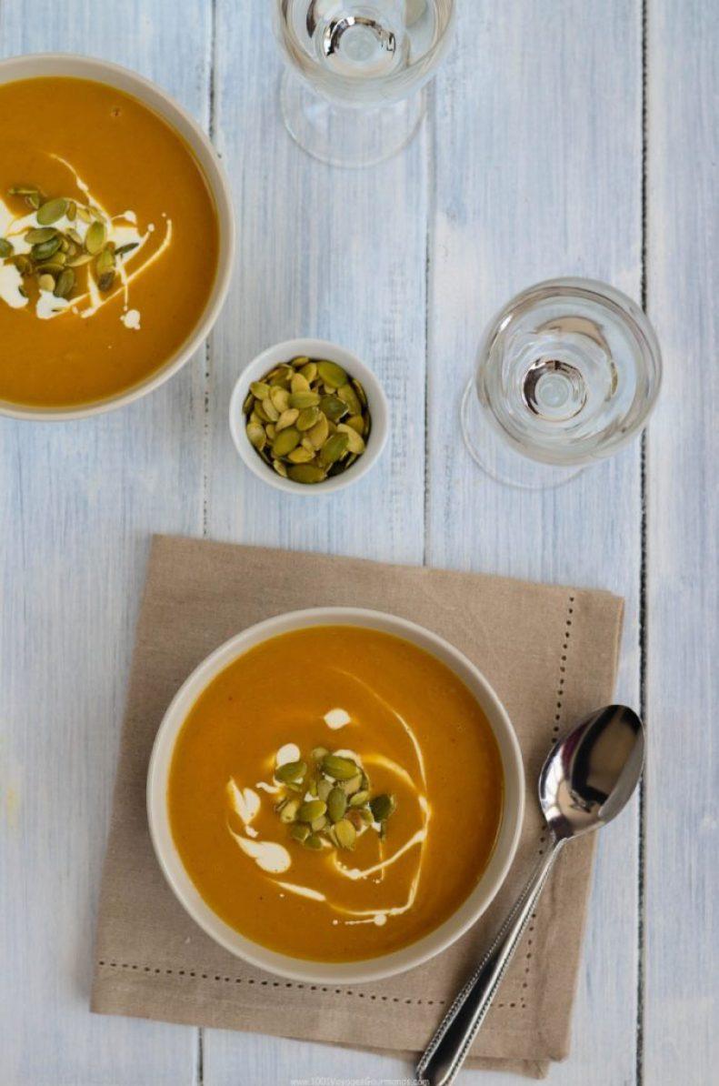 polévka z máslové dýně a batátu je hustá a výživná polévka do oranžova, kde se krásně pojí nasládlá chuť máslové dýně se sladkou bramborou neboli batátem
