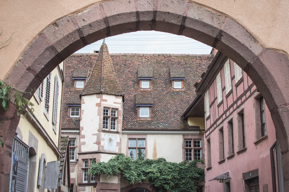 During our long weekend in Alsace in June, we discovered some of the most beautiful villages of France. Here are some tips on where to go and what to see.