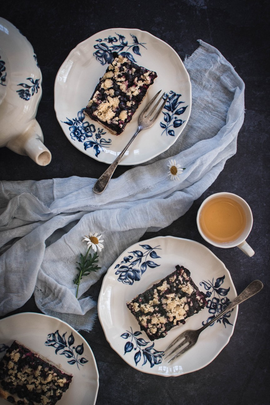 You will love this blueberry cake! It is a smooth and tasty yeast cake with wild blueberries and crumble topping which all together taste marvellous!