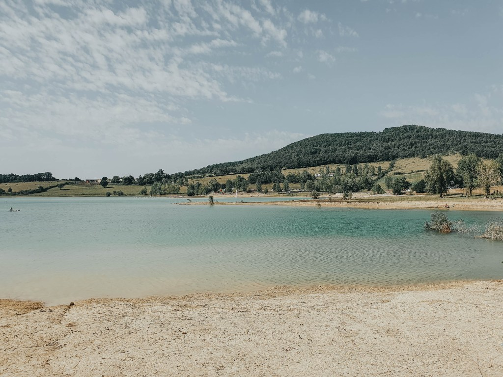 During our summer holidays last year we had a chance to discover some beautiful places in Ariège in the Occitanie region. Here they are!