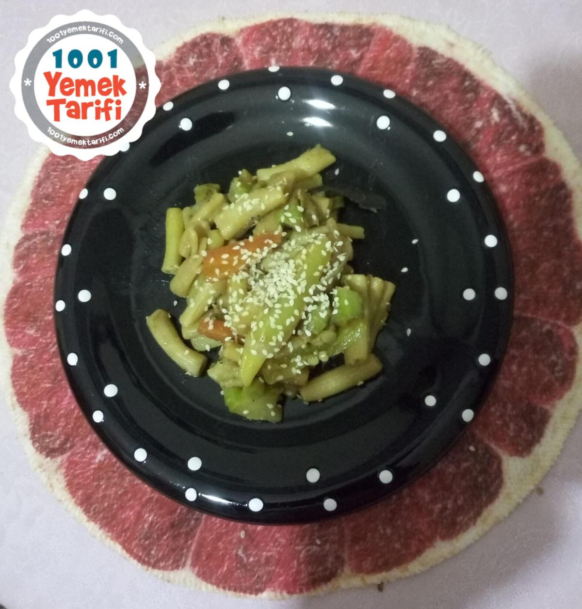 Soya soslu sebzeli makarna tarifi