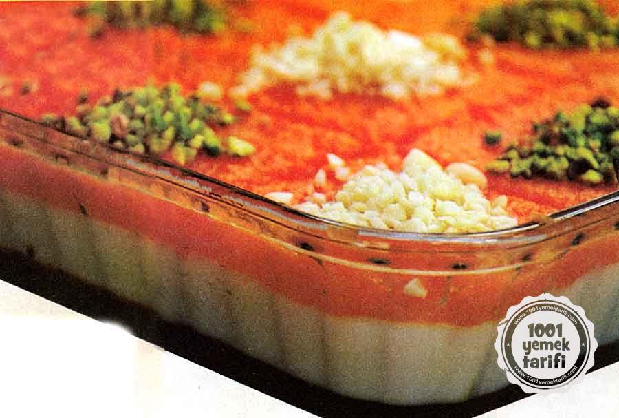 Kakaolu-Kremali ve Havuclu Tatli Tarifi-3 Renkli ve 3 Farkli Lezzet-resimli tatli tarifleri-kac kalori-besin degeri-1001yemektarifi