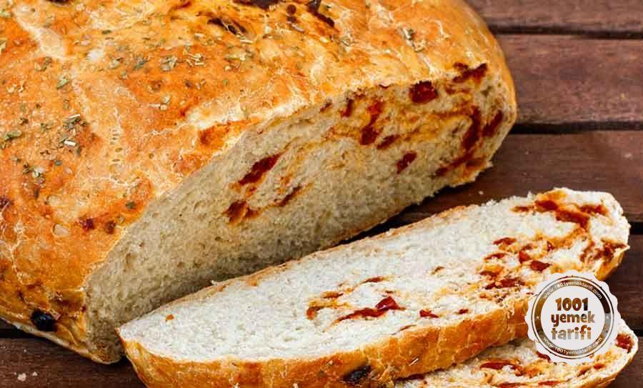 Nefis-Ekmek-Tarifi-Hellim-Peynirli-Domates-Kurulu-Ekmek-Tarifi-resimli-yaemek-tarifleri-kac-kalori-1001yemektarifi