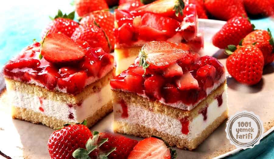 Nefis Pasta Tarifi-cilekli Dort Kose Pasta Yapimi-kac kalori-resimli yemek tarifleri-besin degeri-1001yemektarifi-tatli tarifi