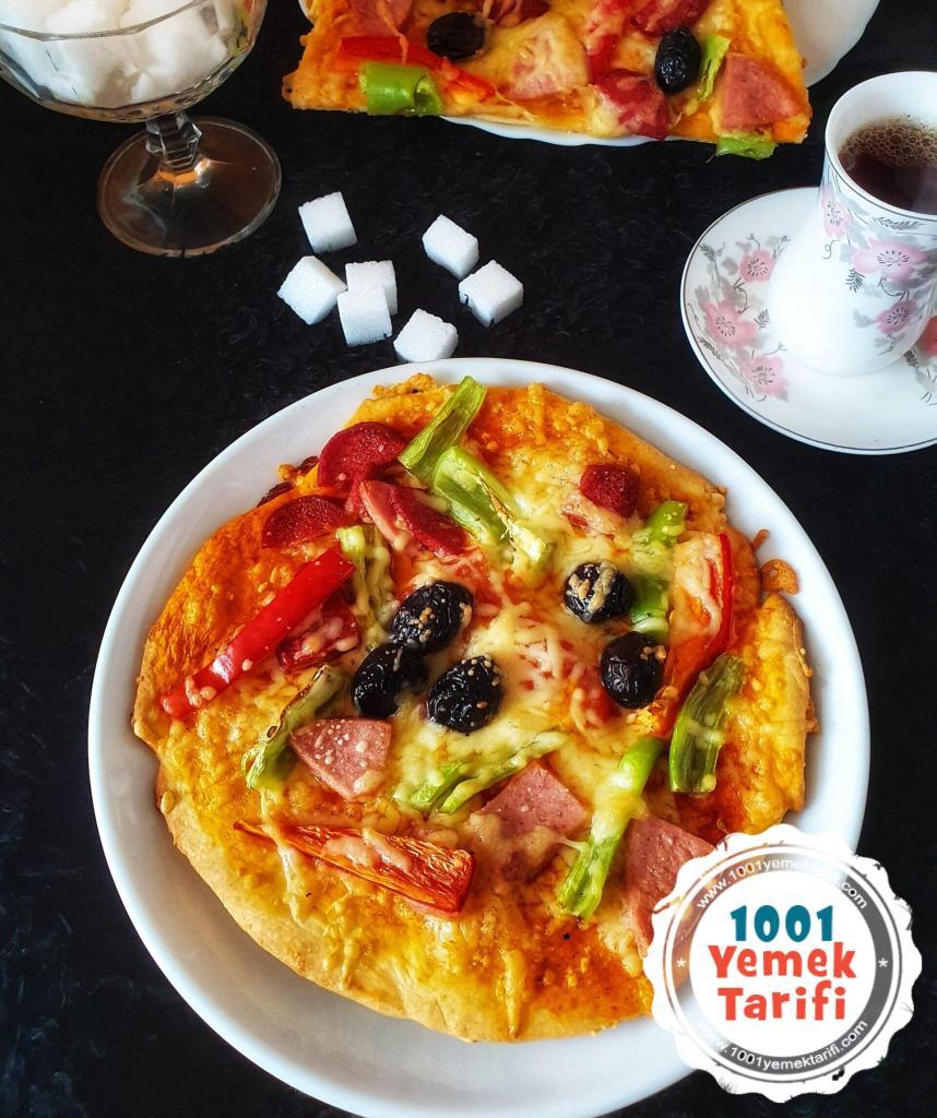 mayasız pizza yapımı (ev yapımı)
