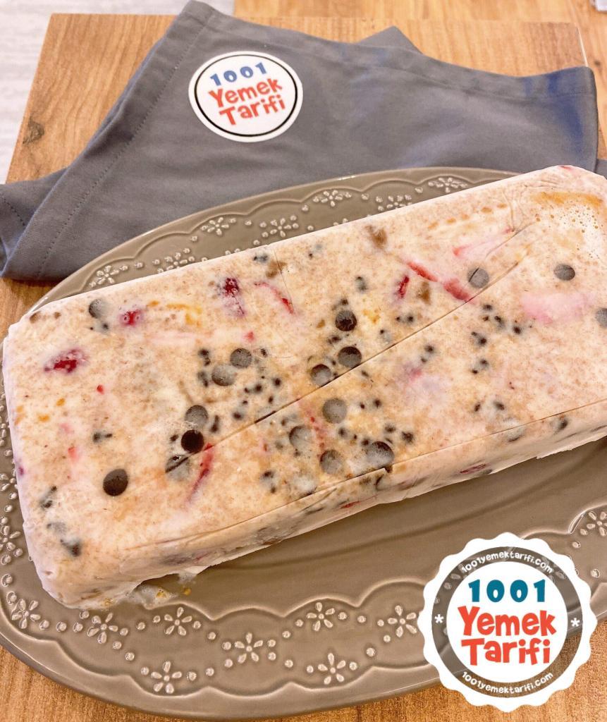 çilekli tatlı tarifi-dondurma yapımı-soğuk tatlı yapımı