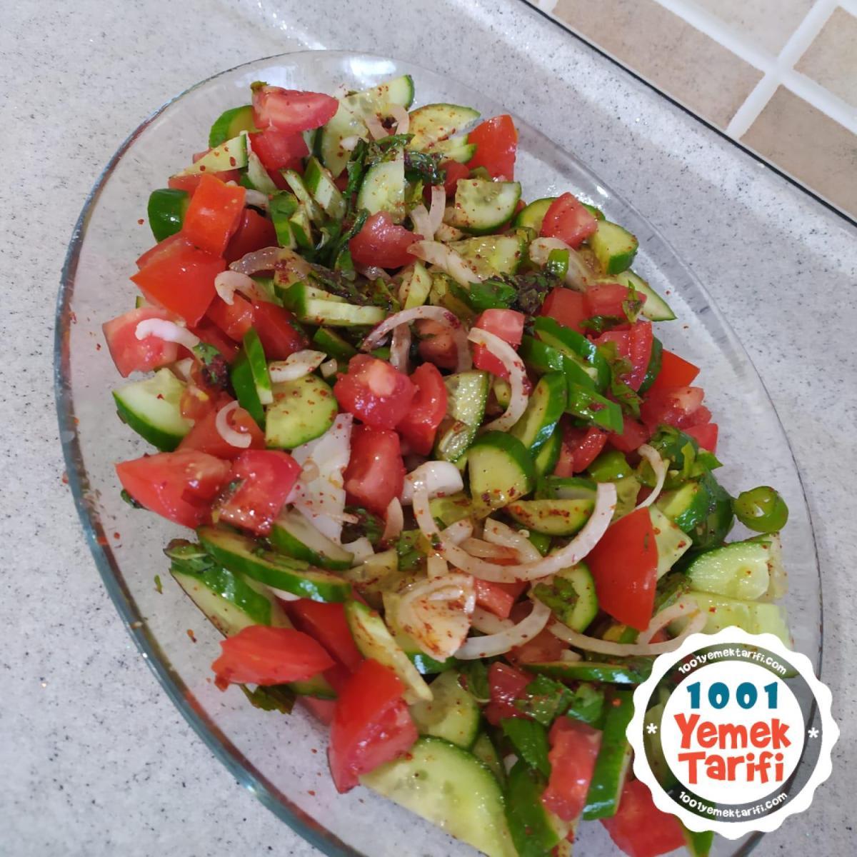 Yaz Salatası Nasıl Yapılır
