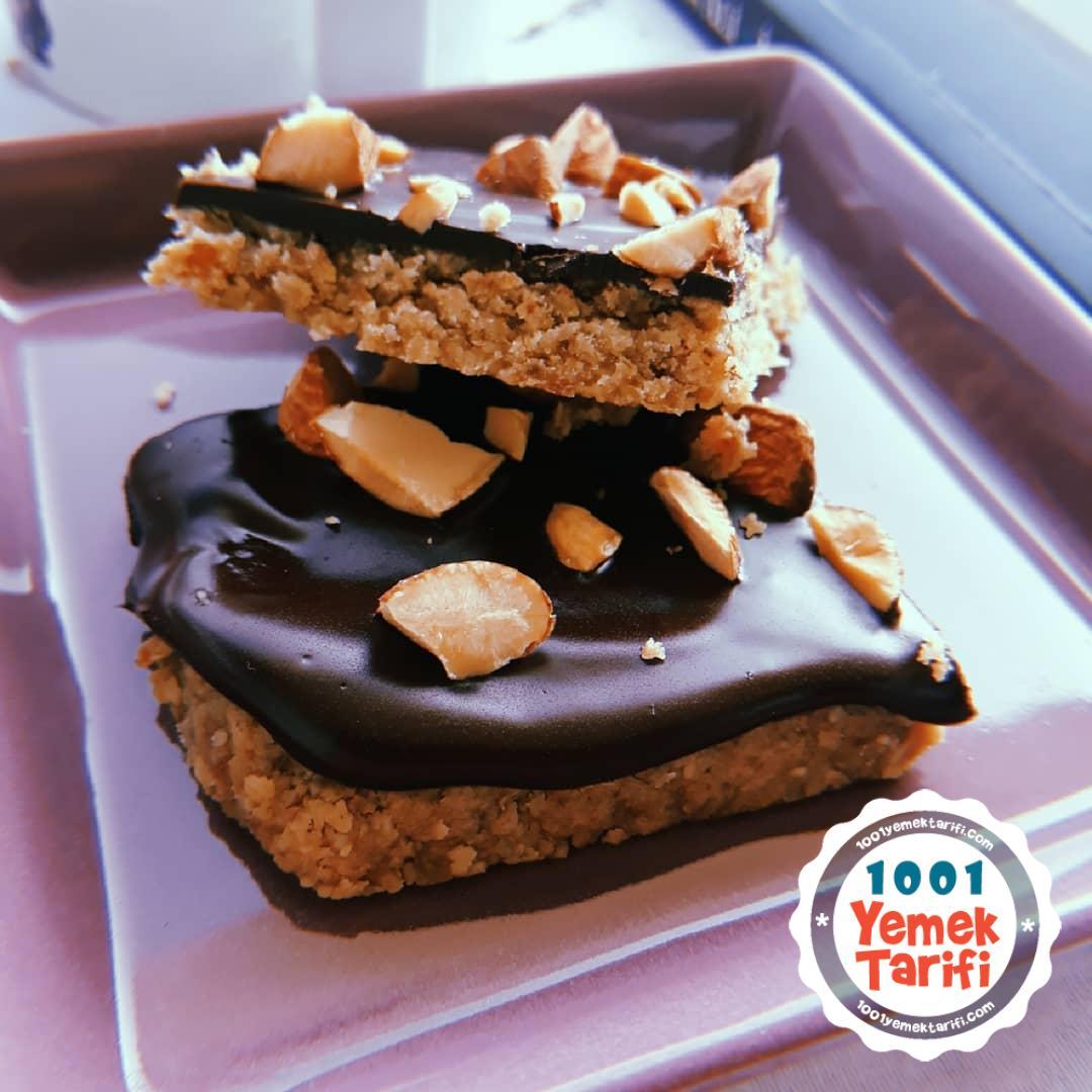 Protein Bar Tarifi-nasıl yapılır-ev yapımı çikolatalı hurmalı yulaflı bar yapımı
