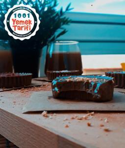 Chocolate Fudge Tarifi nasıl yapılır-kaç kalori-tahinli çikolatalı tatlı yapımı