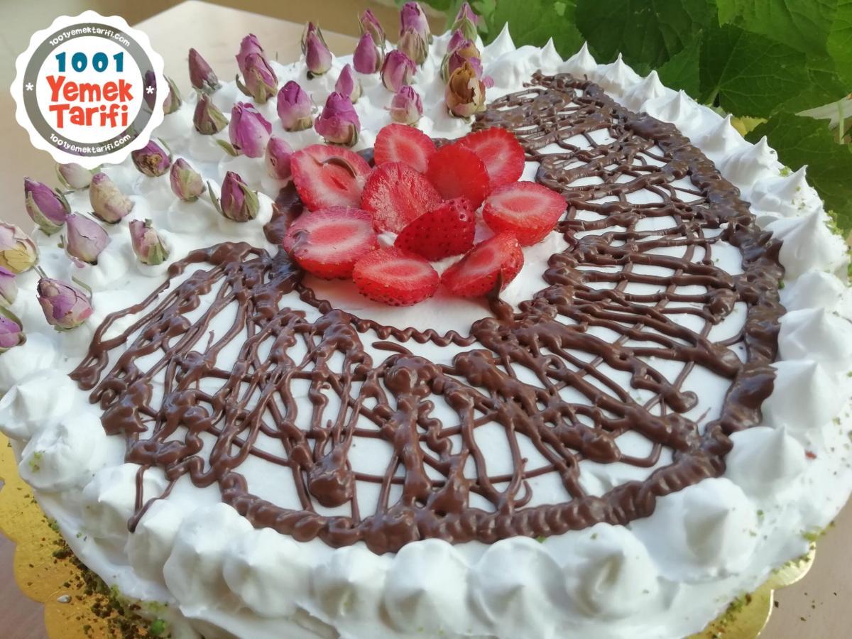 Çilekli Pasta Tarifi-nasıl yapılır