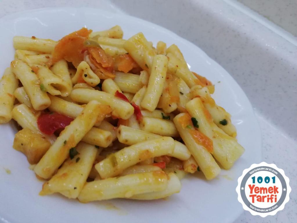 Sebzeli Makarna Tarifi-nasıl yapılır-kolay makarna yapımı-kaç kalori