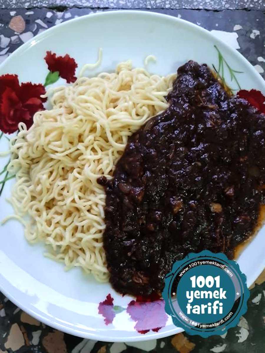 jajangmyeon-tarifi-kore-mutfagi-yapimi-kolay-makarna tarifi-kac kalori