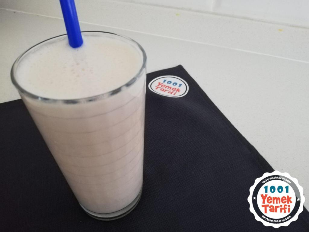 Muzlu Milkshake Tarifi nasıl yapılır