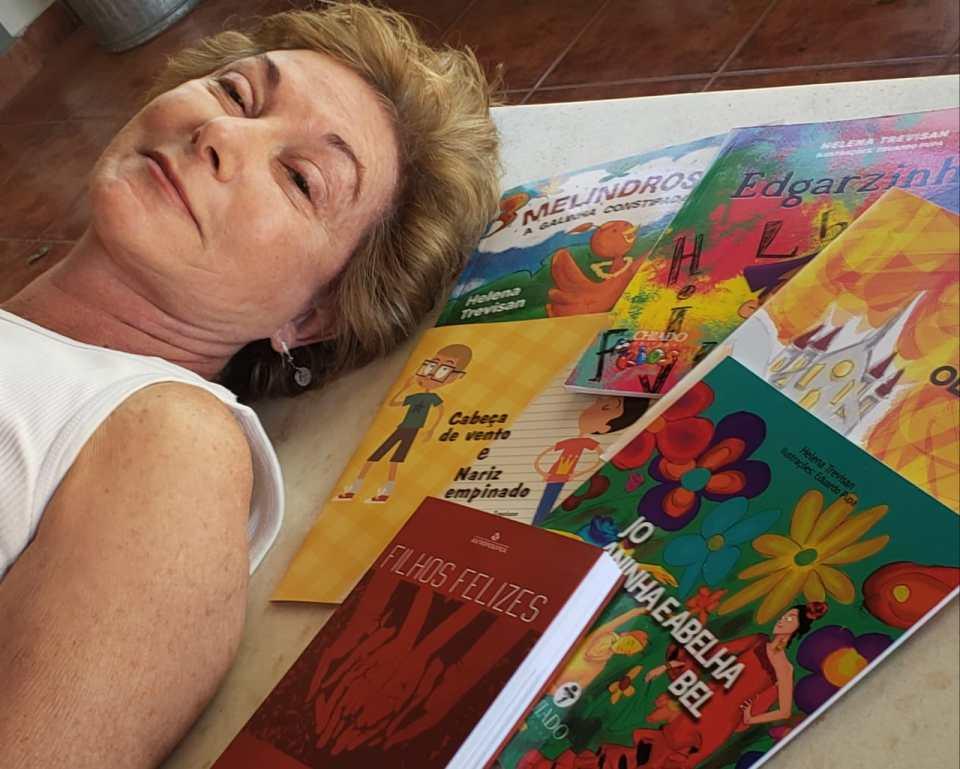 Helena T. e seus livros