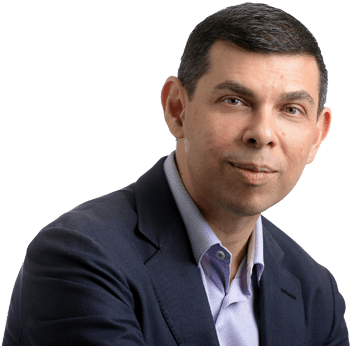 Warren-Fernandez editor do The Straits Times e Presidente do Fórum Mundial de Editores