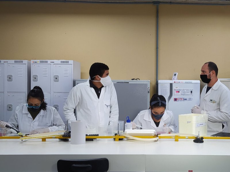 laboratório-vacinas-unila-covid-19