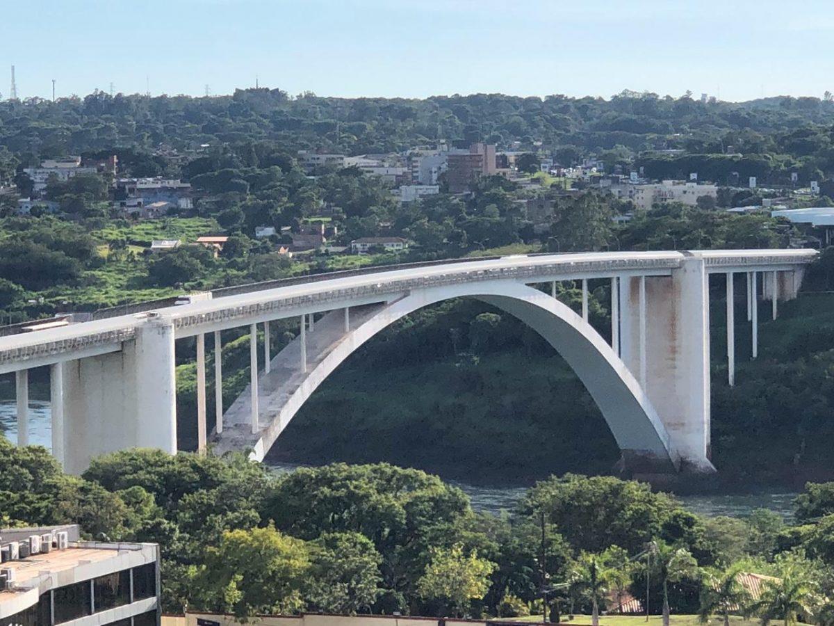 Ponte da Amizade imagem aérea