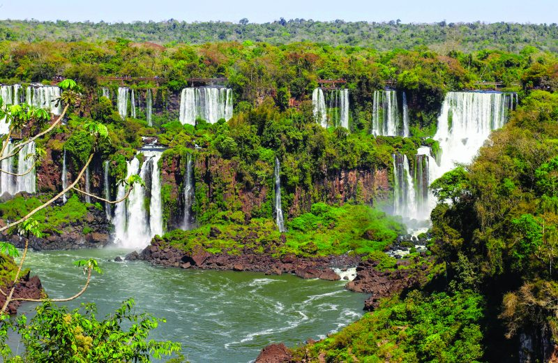 Cataratas do Iguaçu dentro do Parque Nacional do Iguaçu