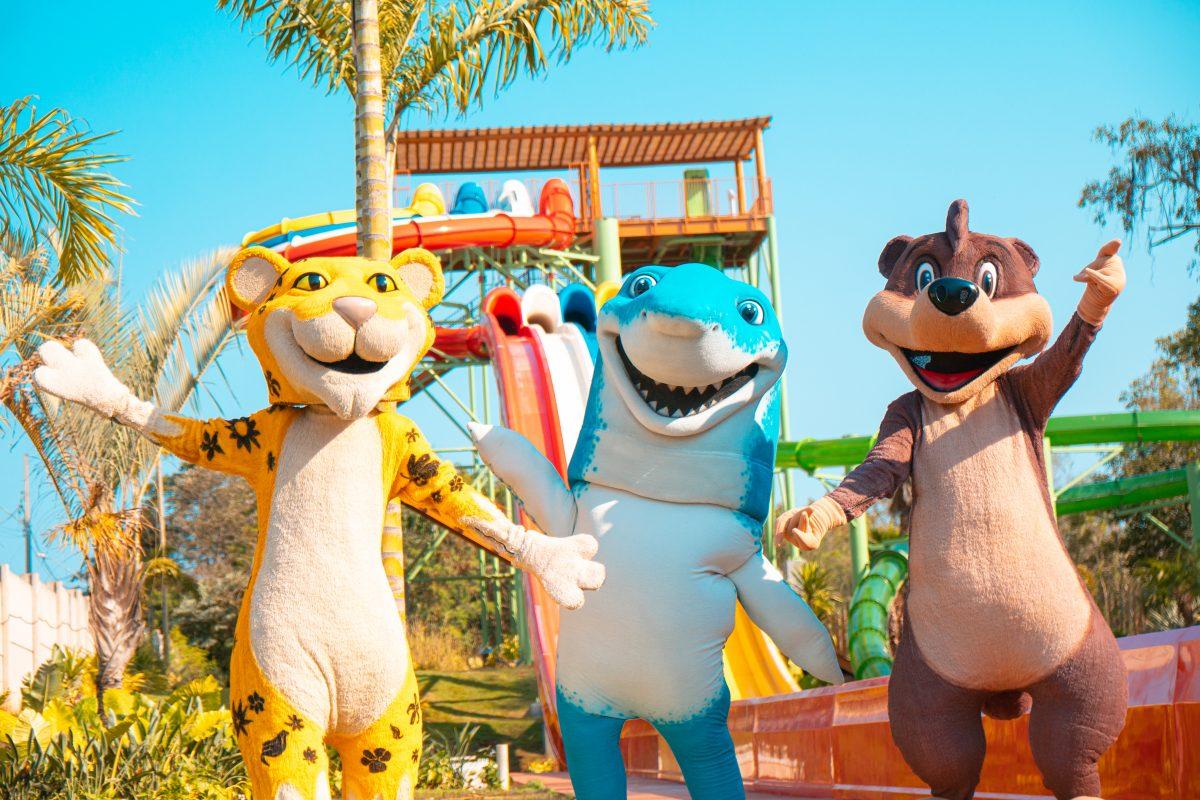 Personagens-toboáguas-Blue-Park-foz