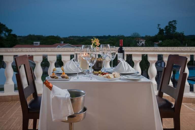 Jantar a dois na varanda do Wish Foz do Iguaçu