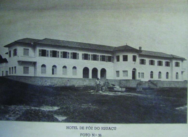 Hotel antigo em Foz