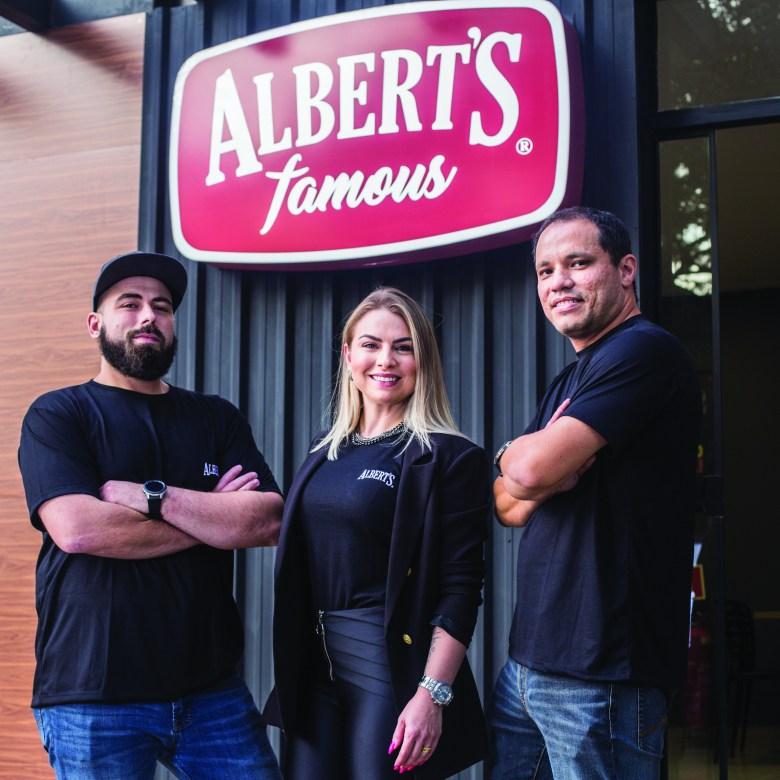 Proprietários da Albert's Famous Foz