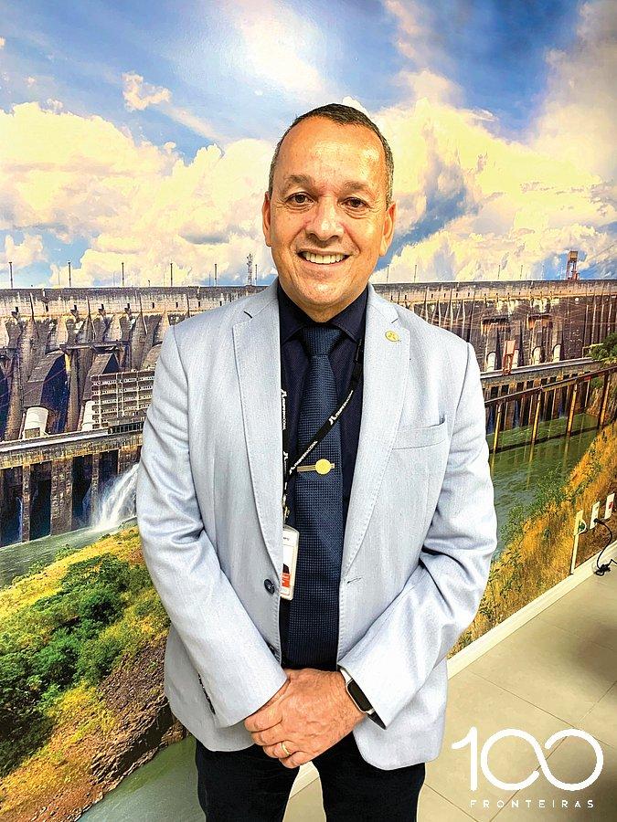 tnAlmirante Paulo Roberto Xavier, Diretor Administrativo de Itaipu