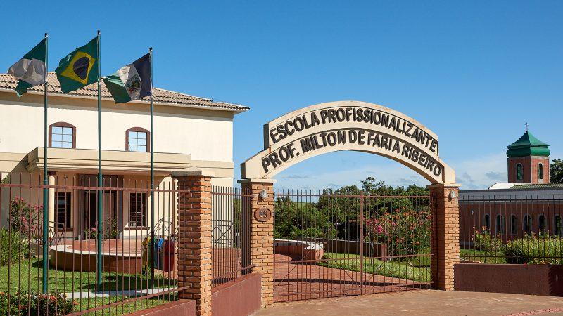 Escola Profissionalizante Prof. Milton de Faria Ribeiro