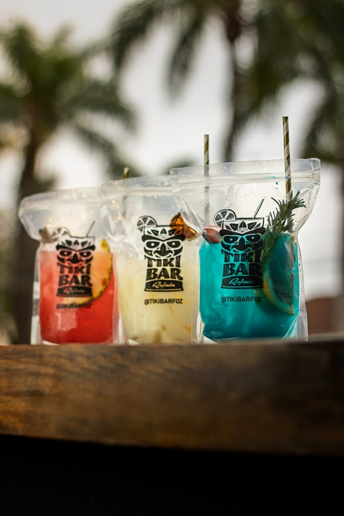 Drinks nas bags Tikibar Foz do Iguaçu