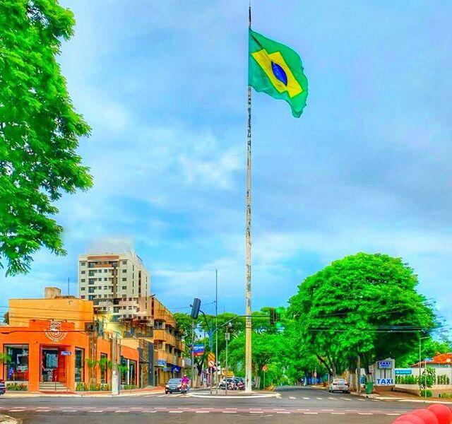 Bandeira do Brasil centro de Foz do Iguaçu