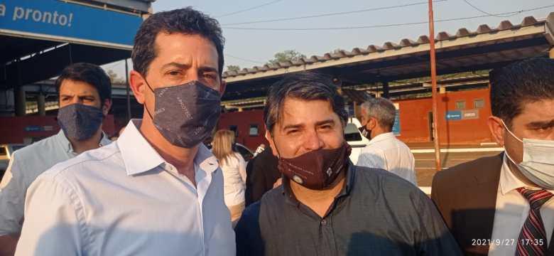 Ministro do Interior - Wado de Pedro  e Héctor Gustavo Careaga, coordinador de centros de fronteras Mesopotamia Norte