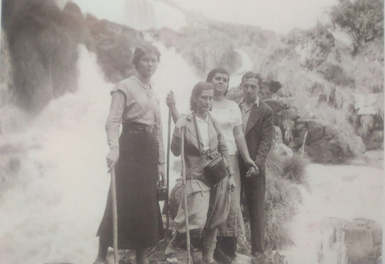 """Cataratas do Iguaçu, foto estraída do livro """"Meu Vizinho o Parque Nacional do Iguaçu"""""""