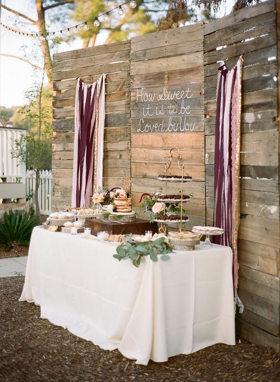 Rustic DIY Farm Wedding Rustic Farm Wedding 100 Layer Cake
