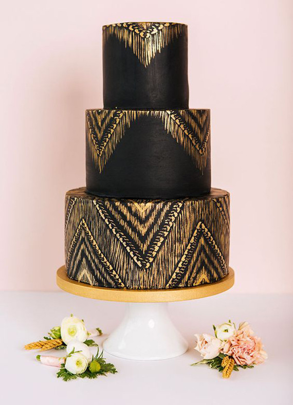 Black wedding cake ideas   Black wedding cakes   100 Layer Cake Black wedding cakes