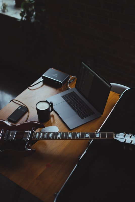 5 libros para aprender a tocar guitarra eléctrica