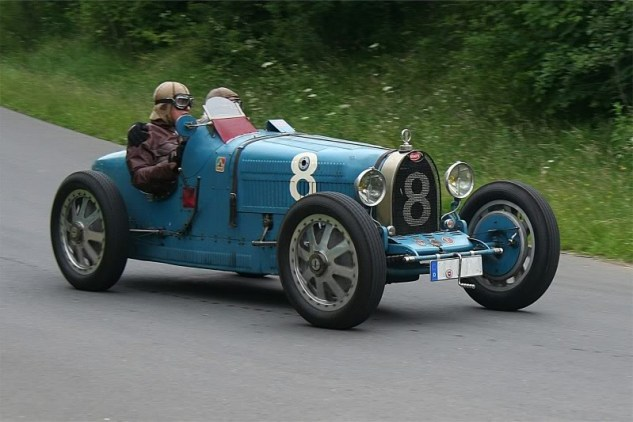 Bugatti_35_B_Bj_1925_SC3BCdschleife_2008-06-28