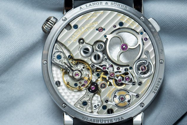 Hands_On_Zeitwerk_Minute_Repeater_9[1]