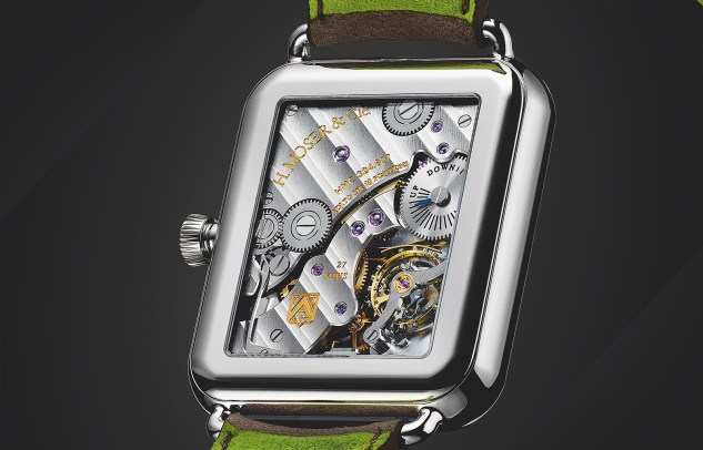 Moser-Swiss-Alp-Watch-trasera-1