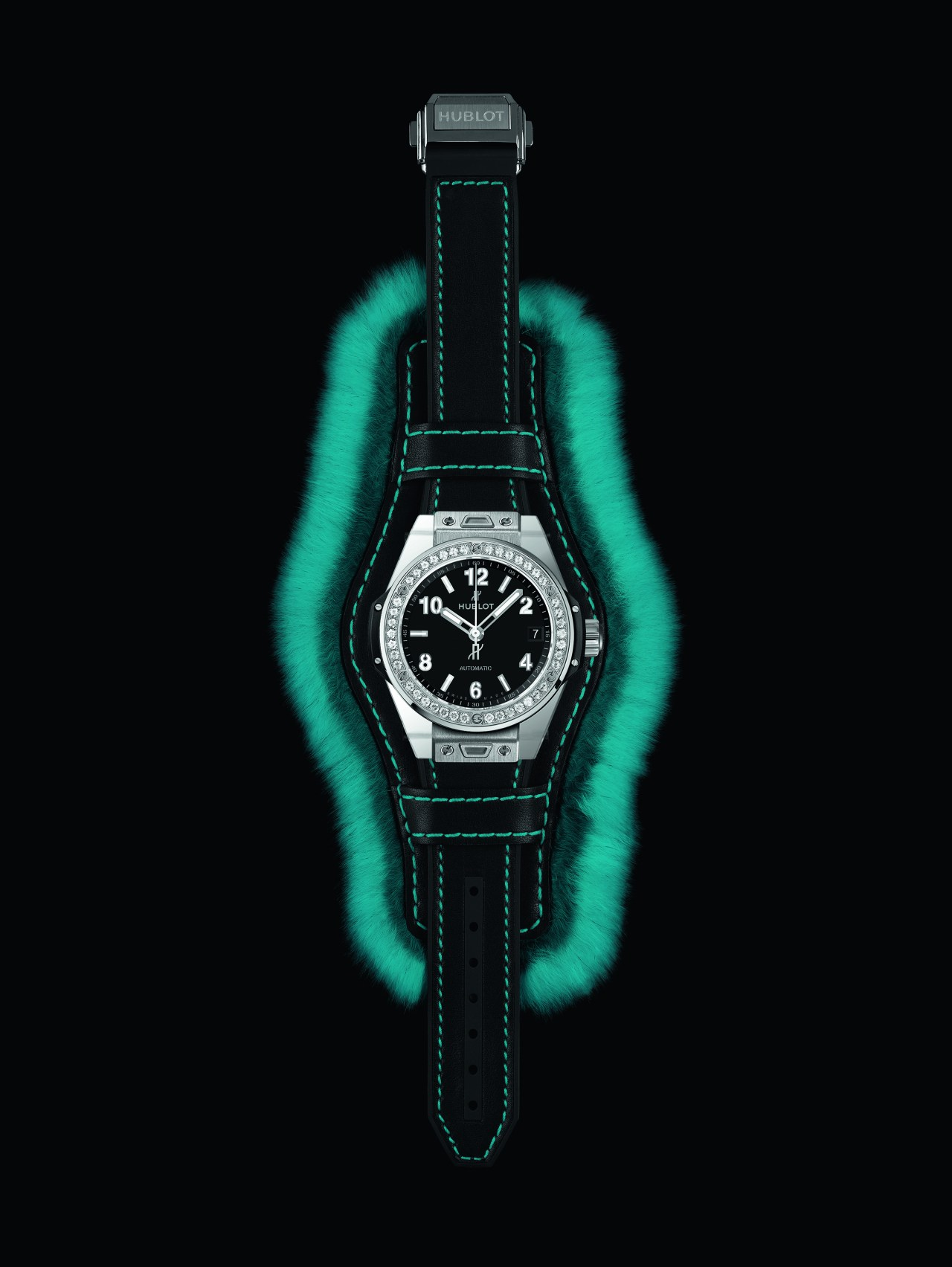 hublot_big-bang-one-clic-cuddly-cuff-ice-blue3