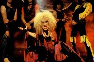 Shane's Rock Challenge: TWISTED SISTER – 1982 – Under The Blade