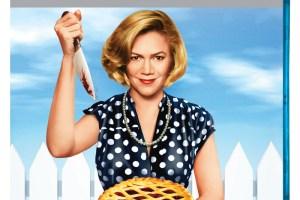 DVD REVIEW: SERIAL MOM