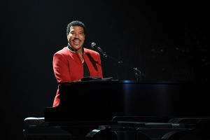 LIONEL RICHIE and CHIC featuring NILE RODGERS TO TOUR AUSTRALIA IN SEPTEMBER & OCTOBER – ALL THE HITS ALL NIGHT LONG!