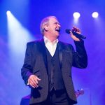 JOHN FARNHAM RETURNS TO A DAY ON THE GREEN in Perth