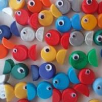 Рыбка из пластиковой крышки