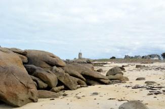 Le sémaphore de Brignogan vu de la plage