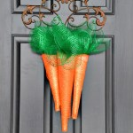Deco-mesh carrots - Easter door hanger/wreath