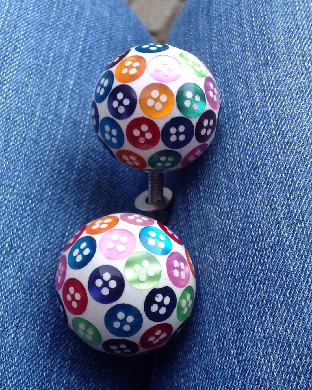 Trinca-Ferro button knobs