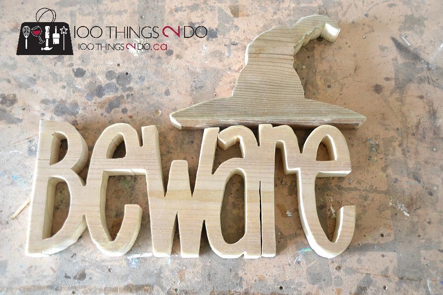 Hallowe'en decor, Beware sign, wood Hallowe'en sign, Hallowe'en decoration, DIY Hallowe'en decorations