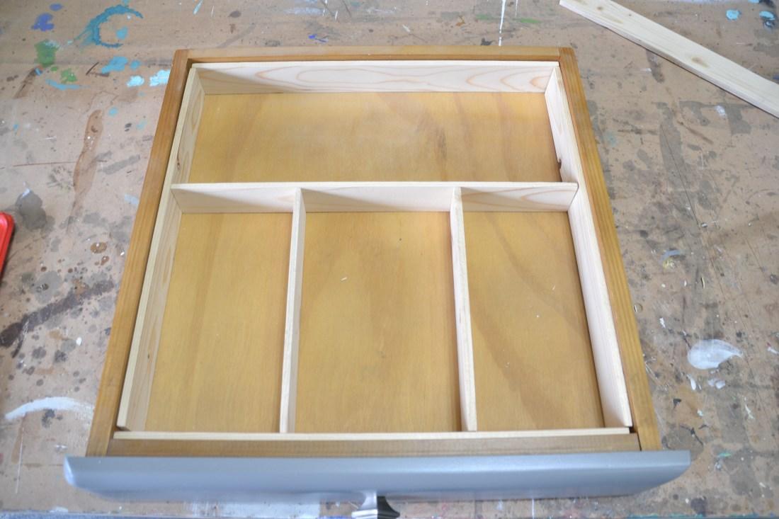 Free and easy drawer dividers, drawer dividers, DIY drawer separators, scrap wood drawer divider