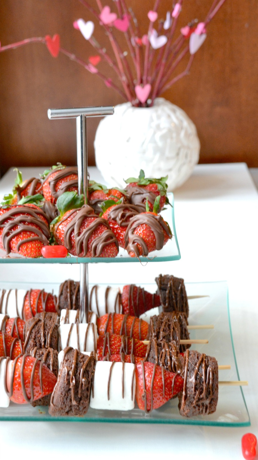 Strawberry brownie kebabs, strawberry dessert skewers, strawberry brownie skewers, class treats, Valentine's treats